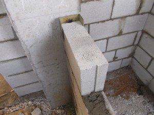 Примыкание к колоне стеновых блоков