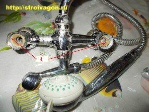 Места подключения водопроводного смесителя