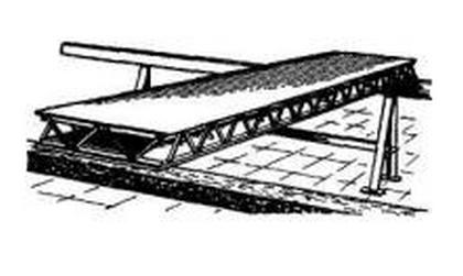 Панель покрытия с предварительно напряженными обшивками из рулонных алюминиевых листов